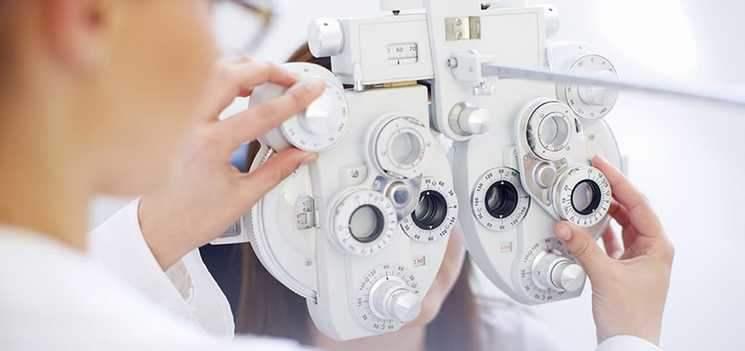 隱形眼鏡眼科專業人士使用儀器
