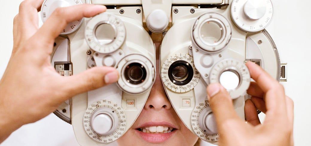 隱形眼鏡驗配檢查